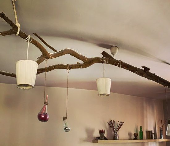 tree-trunk-chandelier